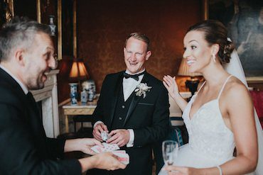 Table Wedding Magician Gloucester